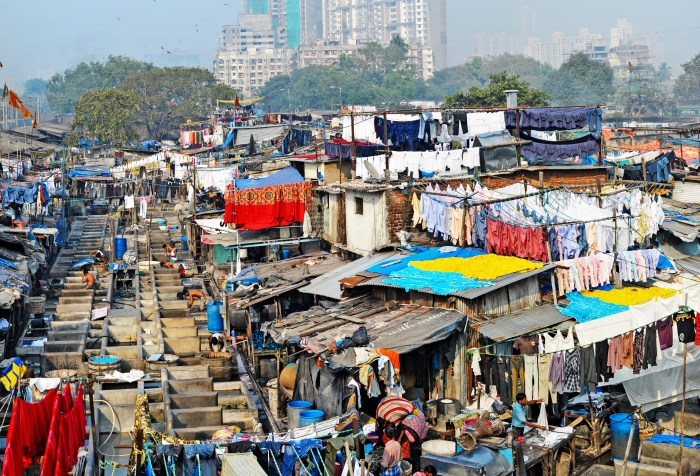 A picture of informal settlements in Dhobi Ghat, Mumbai.
